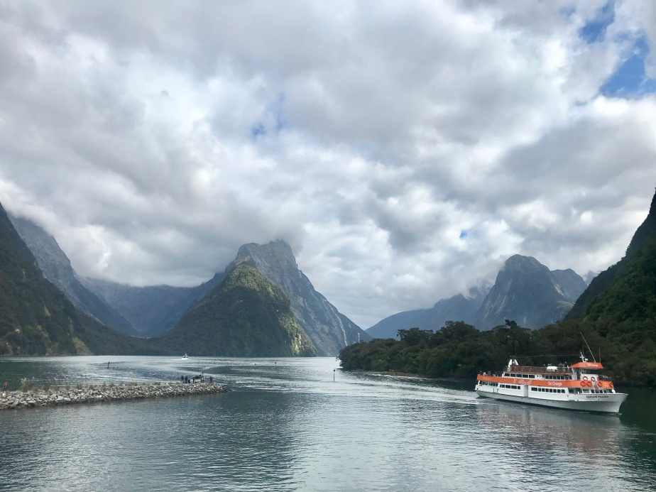 How to Arrange Your Overnight Trip to Milford Sound